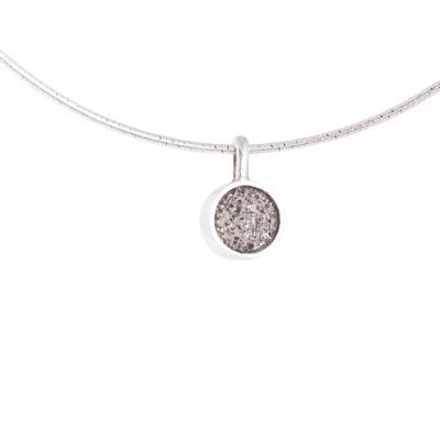 Collier Omega